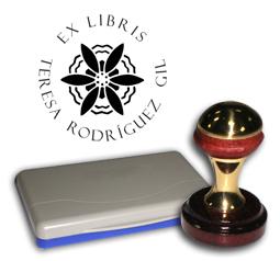 Ex Libris Modelo 31 - Ex Libris modelo 31, incluye el mango de madera caoba y latón pulido, tamaño 62 x 38 mm, almohadilla y bolsa limosnera.