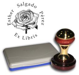 Ex Libris Modelo 38 - Ex Libris modelo 38 , incluye el mango de madera caoba y latón pulido, tamaño 40 mm de diametro, almohadilla y bolsa limosnera.