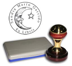 Ex Libris Modelo 41 - Ex Libris modelo 41 , incluye el mango de madera caoba y latón pulido, tamaño 40 mm de diametro, almohadilla y bolsa limosnera.